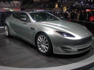Czy można sprowadzić luksusowy samochód bez akcyzy?