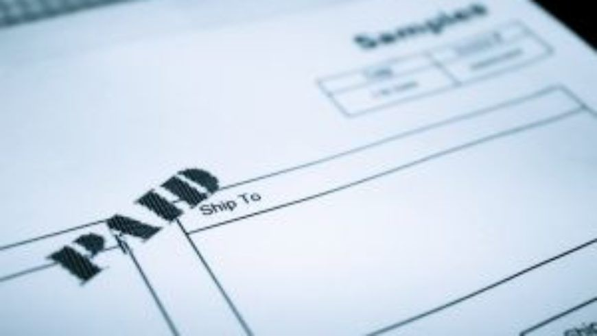 Korygowanie kosztów w przypadku nieterminowej zapłaty